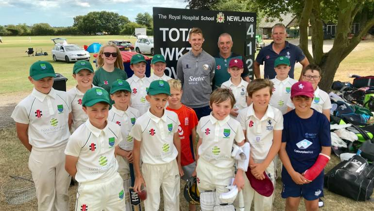 Essex's Jamie Porter visits MCCF U11s and inspires the boys